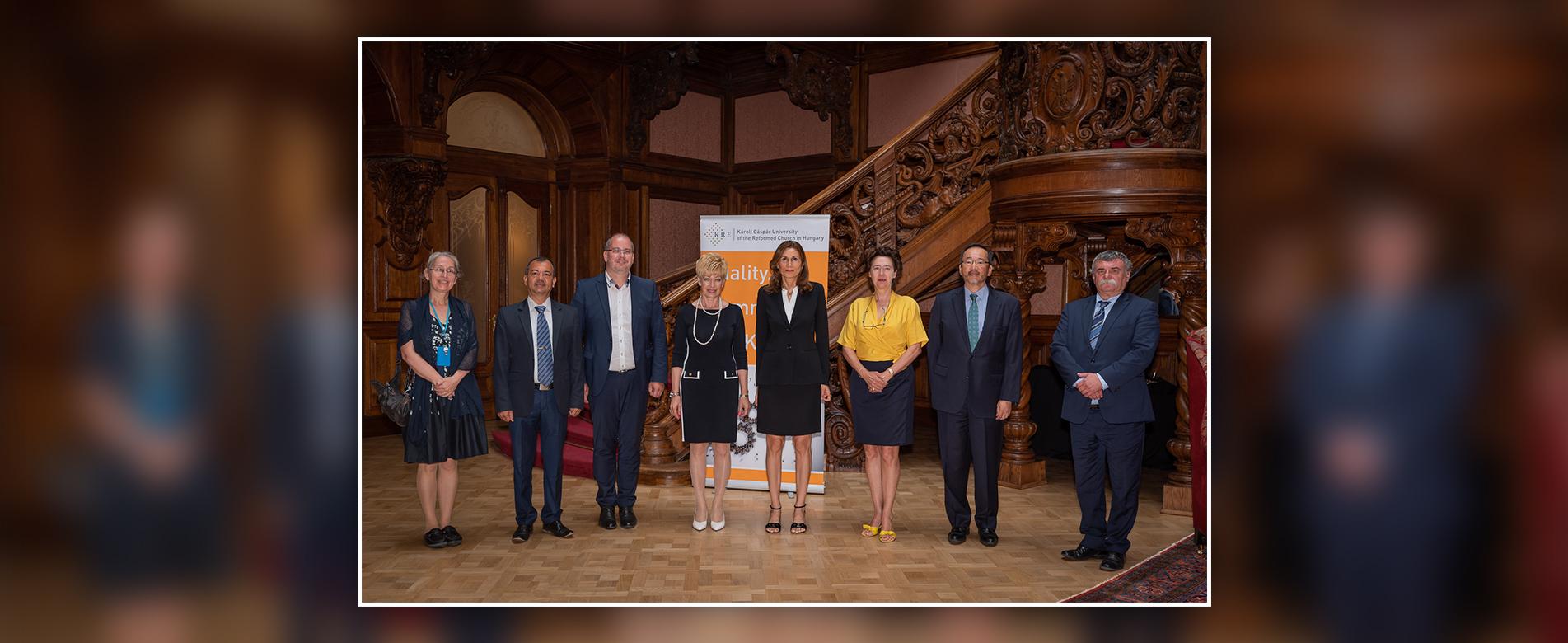 Ambassadors' visit to the Károlyi-Csekonics Palace